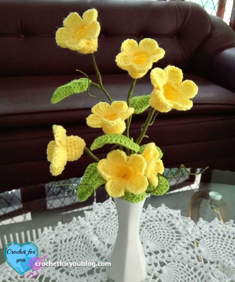 Crochet 3D flower bouquet (Golden Trumpet Vine) Free Pattern ...