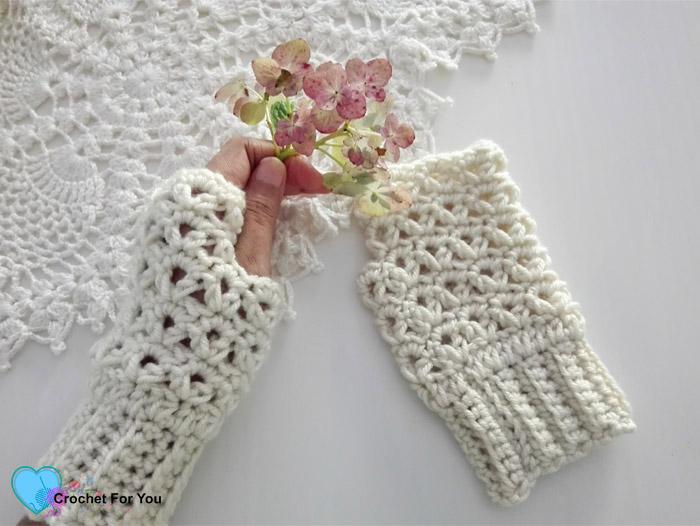 Victorias winter crochet fingerless gloves free pattern crochet victorias winter fingerless gloves free crochet pattern dt1010fo