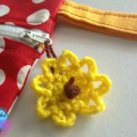 My first sewing pouch and a crocheted zipper tag pattern